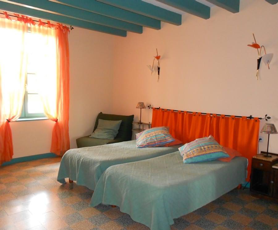 Chambre orange en naoua - Chambre d hotes orange ...